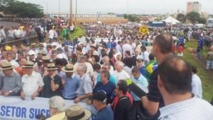 Ato em favor do setor sucroenergético reúne 8 mil pessoas em Sertãozinho