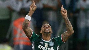 Palmeiras vai tentar diminuir punição de Felipe Melo