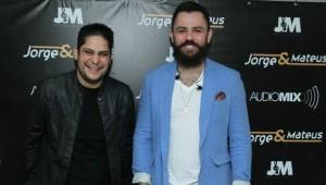 Jorge e Mateus divulgam projeto com Chitão e Xororó