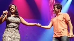 Daniel emociona fãs ao se apresentar com filha de João Paulo