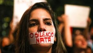 Brasil tem dez estupros coletivos por dia