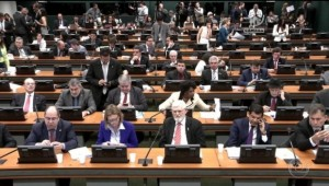 CCJ retoma hoje discussão sobre denúncia de Michel Temer