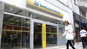 Banco do Brasil abre mais cedo para atender idosos