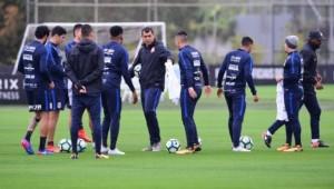 Corinthians pega Botafogo-RJ nesta segunda-feira