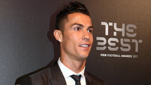 Cristiano Ronaldo é eleito o melhor do mundo pela 5ª vez